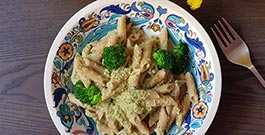 Penne con pesto di broccoli